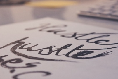 pen-calligraphy-hand-lettering-hustle-large